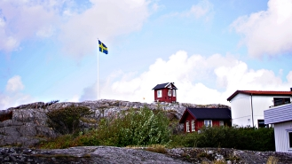 sweden_island_flag and pilots cabin