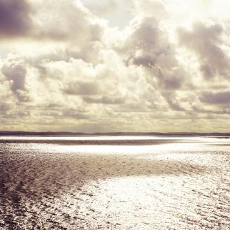 Sweden_island_water clouds