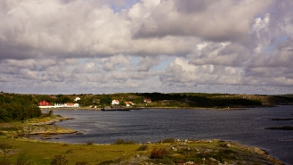 sweden_islands_red houses